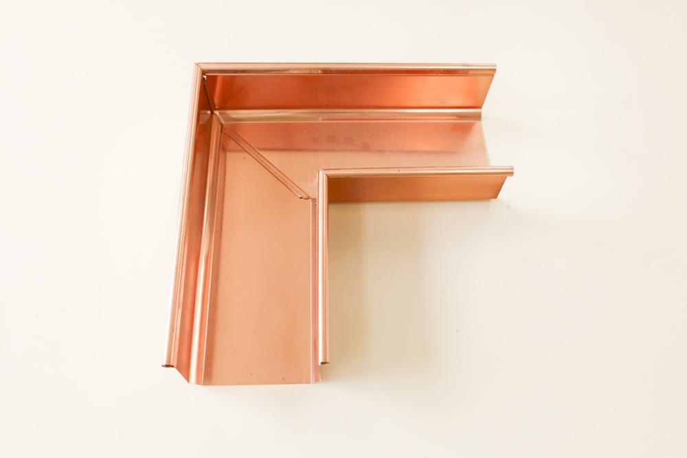 銅の雨どい 直角部分